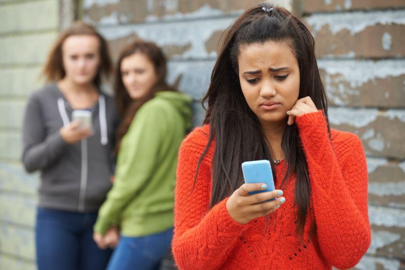 teléfono acoso escolar