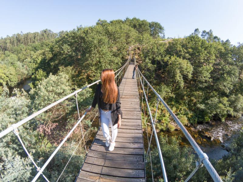 puente colgante calvelo