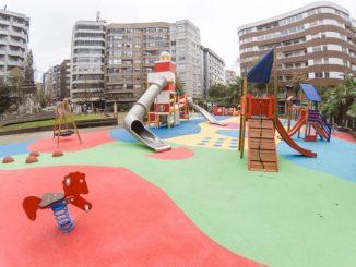 parque infantil plaza independencia