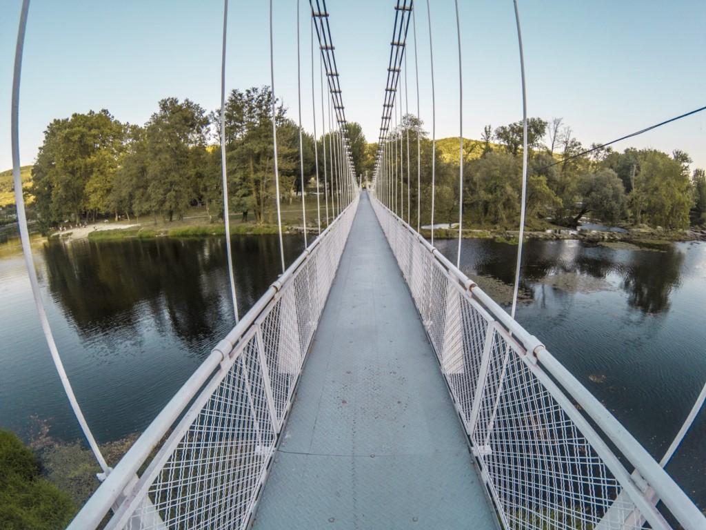 puente colgante leiro