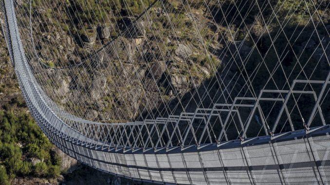 el mayor puente colgante del mundo